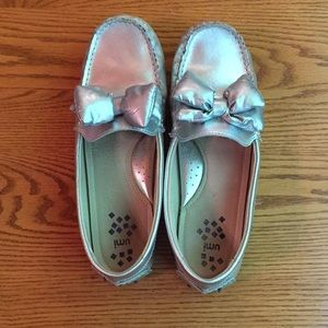 Umi Morie II bow loafers in silver